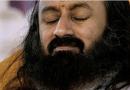 देखें वीडियोः 'जिया धड़क-धड़क' गाने पर झूमते श्री श्री रविशंकर को!