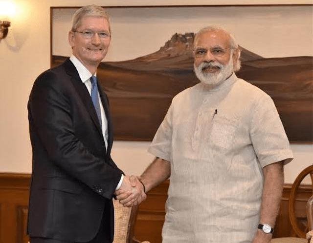 मोदी से मिले टिम कुक, लॉन्च किया 'नरेंद्र मोदी एप' का अपडेटेड वर्जन