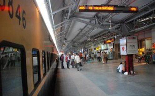 दिल्ली सहित एक दर्जन रेलवे स्टेशन बनेंगे विश्व स्तरीय। जानें क्या आपका शहर है उनमे एक