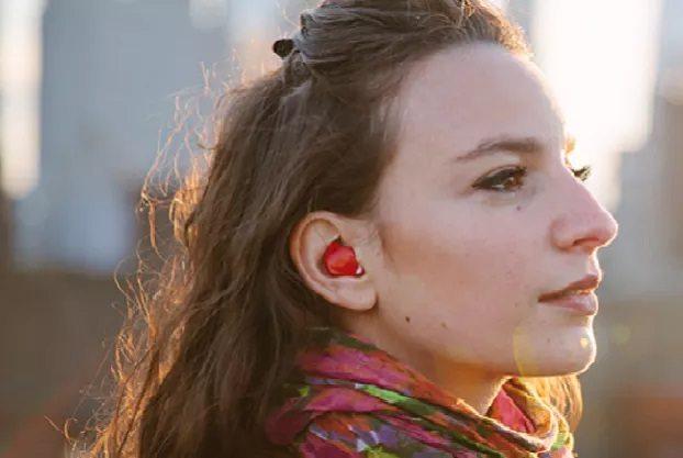 अजब गजब : आपके कान में भाषा की सीमा तोड़ेगा ये मशीन