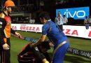 क्रिकेट के भगवान के पैर छुए बीच स्टेडियम में युवराज ने, तश्वीर हुई वाईरल.