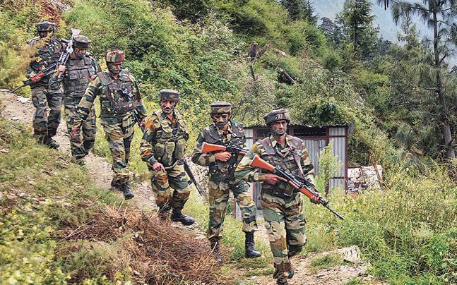 Photo of ऑपरेशन चक्रव्यूह : पाकिस्तान की घुसपैठ का तोड़ है भारत का यह तीन स्तरीय सुरक्षा तंत्र