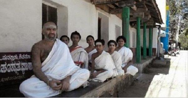 Photo of जानें कहाँ है भारत का ये अनोखा गाँव , हिन्दू हो या मुस्लिम सभी बोलते हैं संस्कृत