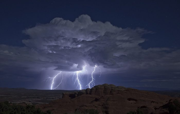 accident of lightning sky