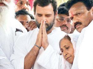 Rahul-gandhi-praying-300x224