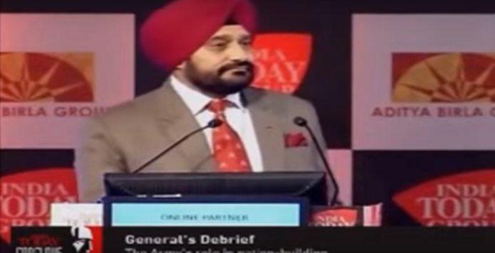 देखें कैसे भारतीय सेना के जनरल ने पाकिस्तानी पत्रकार के सवाल पर उसे जमकर धोया - विडियो
