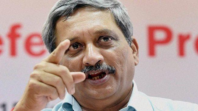 """मनोहर पर्रिकर ने बताया """"पाक सेना मांगने लगी भारतीय सेना से फ़ाइरिंग रोकने की भीख"""" : देखें विडियो"""