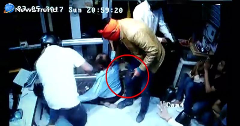 Photo of 40 किलो सोना और 13 करोड़ रूपये की हैरान कर देने वाली लूट, घटना कैमरे में कैद…. देखें वीडियो!