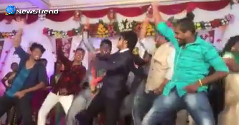 Photo of अपनी ही शादी में दुल्हे ने स्टेज पर किया ऐसा जोरदार डांस, देखकर उड़ जायेंगे आपके होश…. वीडियो वायरल!