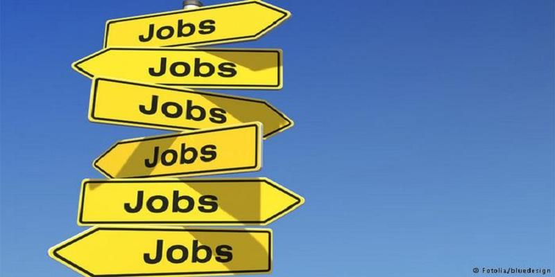 Indias unemployment rate drops