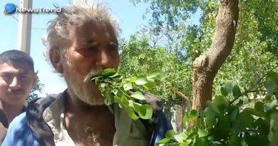 यह व्यक्ति पेट भरने के लिए खाना नहीं बल्कि खाता है पेड़ों के पत्ते और लकड़ियाँ.... देखें वीडियो!