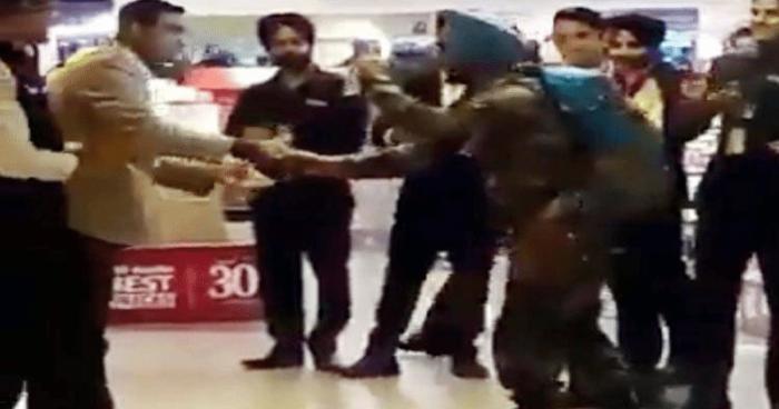 Indian army at delhi airport
