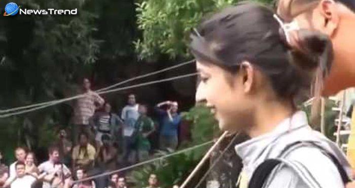 इस लड़की ने किया रोंगटे खड़े करने वाला कारनामा! कमजोर दिल वाले न देखें ये वीडियो!