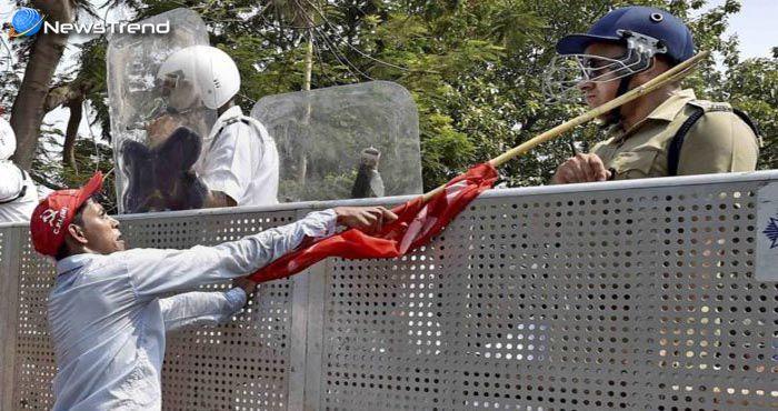 पश्चिम बंगाल में कश्मीर जैसे हालात : वामपंथी बने पत्थरबाज, पुलिसवालों को बेरहमी से पीटा!