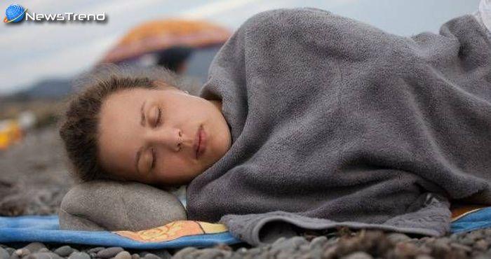 जानिये क्यों इस गांव के लोग महीने भर सोते हैं?