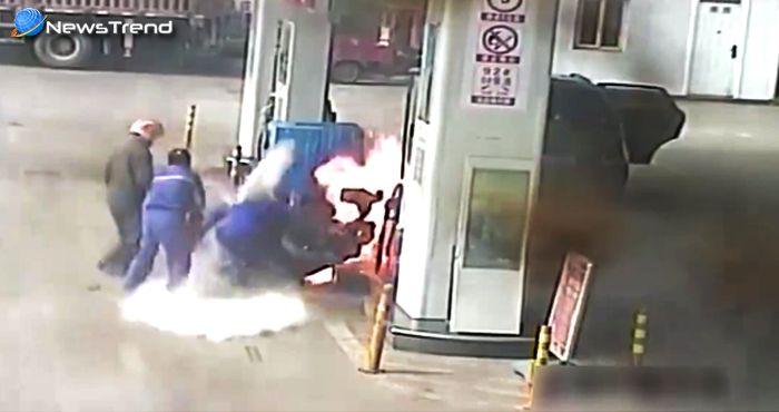 बाइक में पेट्रोल डलवाया, आग लगाई और फिर उसमें कूद गया – खौफनाक वीडियो!