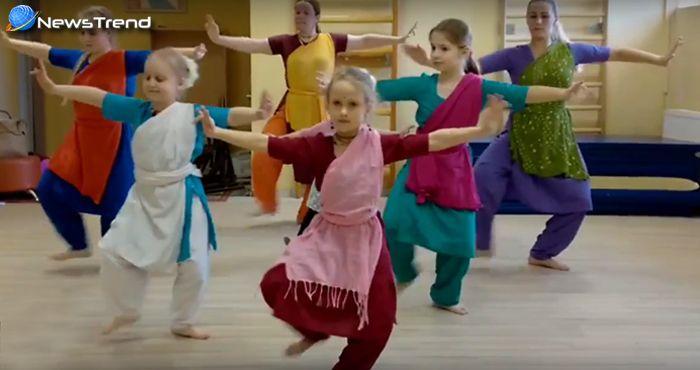 आप चौंक जायेंगे जब देखेंगे इन विदेशी बच्चों को भारतीय क्लासिकल डांस करते हुए… देखें वीडियो
