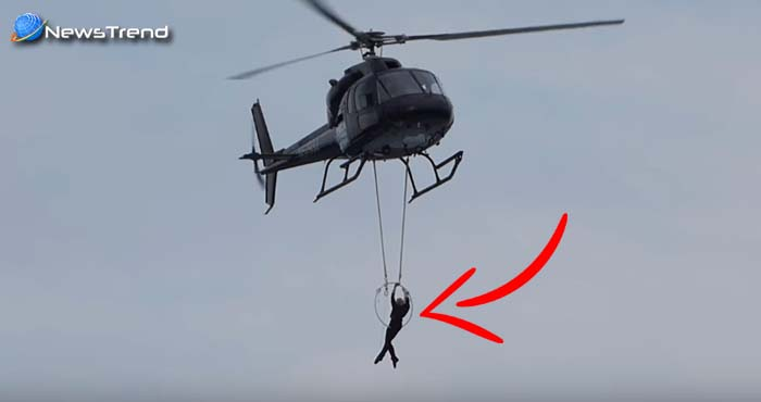3 बच्चों की माँ का स्टंट देखकर उड़ जायेंगे आपके होश, दाँतों से रस्सी पकड़कर झूल गयी हेलीकॉप्टर से!