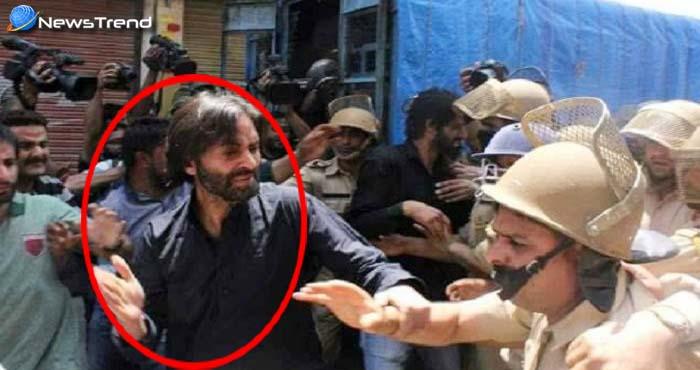 यासीन मलिक ने पुलिसकर्मी को मारा थप्पड़, समर्थकों ने भी बेल्ट से पीटा – देखें वीडियो