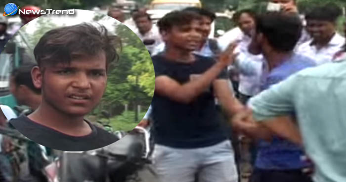 Photo of लव जिहाद – बीच सड़क लड़कियों को बहलाते दिखा मुस्लिम युवक, लोगों ने जमकर पीटा : देखें वीडियो