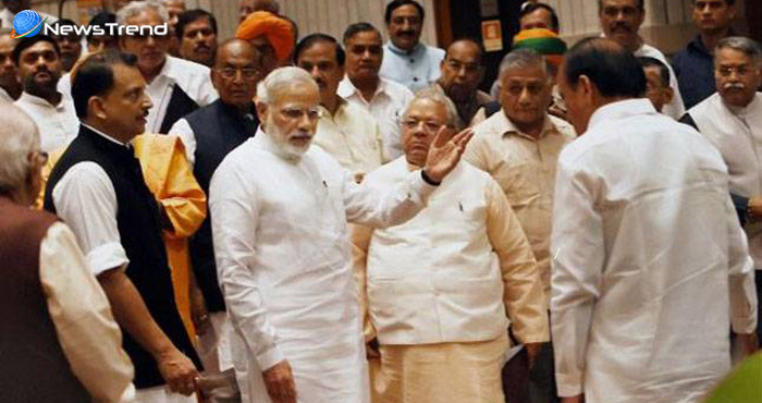 जब पीएम मोदी ने अचानक कैबिनेट मीटिंग के बाद मंत्रियों को रोका, और कही ये बड़ी बात