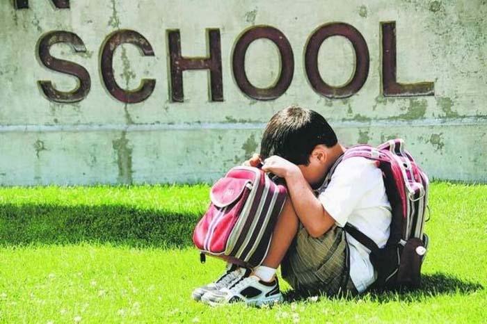 बच्चा ना जाना चाहे स्कूल तो समझें उसकी मन की बात...हो सकती है कोई अनहोनी इसकी वजह