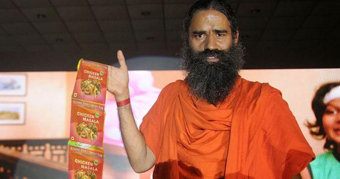 बाबा रामदेव की पतंजलि बेच रही है 'चिकन मसाला', जानिए क्या है इस वायरल ख़बर का सच