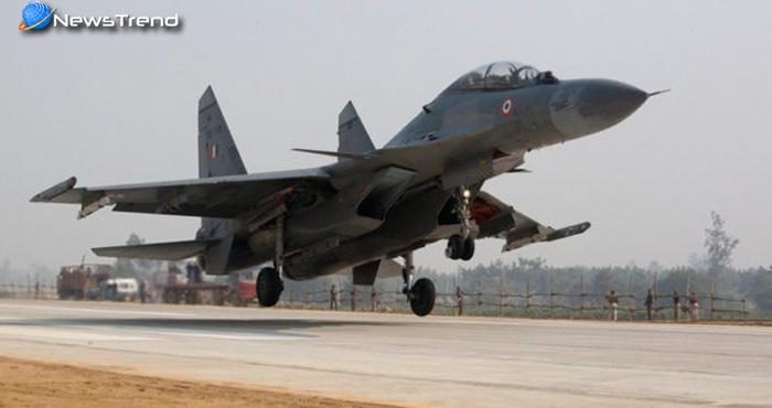 भारत ने पूरी दुनिया को दिखाई अपनी हवाई ताकत, आगरा-लखनऊ एक्सप्रेस-वे पर लड़ाकू विमानों ने दिखाया करतब