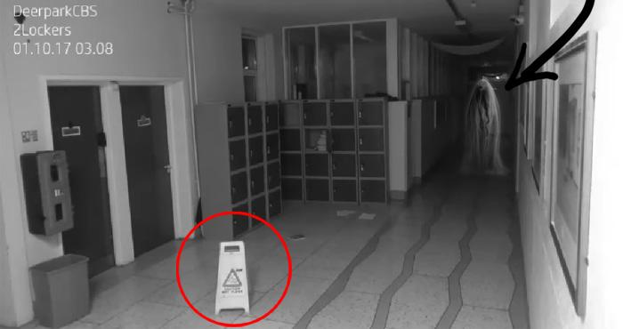 CCTV में कैद हुई भूतों की बेहद डरावनी हरकतें, देखकर काँप जाएगी रुह – देखिए वीडियो