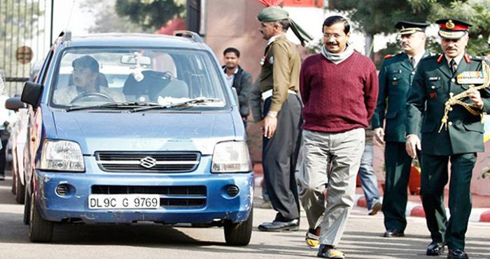 दिल्ली : मुख्यमंत्री केजरीवाल की नीले रंग की 'मशहूर' कार हो गई चोरी, और खुल गई AAP की पोल...