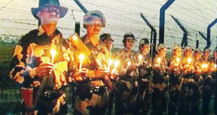 Photo of शरहद पर बीएसएफ जवानों ने अपने ही अंदाज में मनाई दिवाली, दीपक जलाकर जमकर फोड़े पटाखे