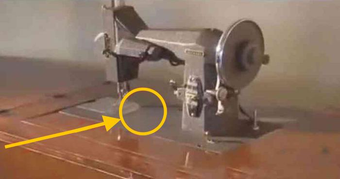 सालों पुरानी सिलाई की मशीन में मिला कुछ ऐसा जिसने रुला दिया पूरे शहर को, क्या थी वह चीज़?