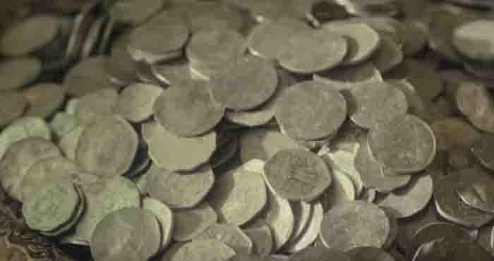 सावधान रहें समाज के इन खोटे सिक्कों से,क्या आप भी हैं खोटे सिक्के? जानने के लिए देखें यह वीडियो