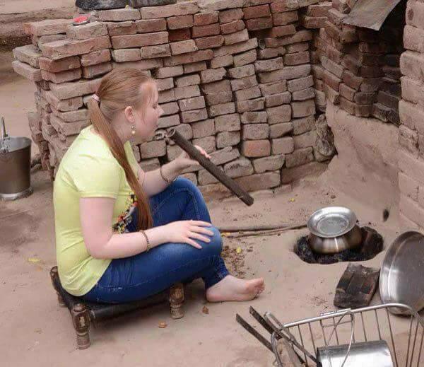 हरियाणवी लड़के के चक्कर आ गई करोड़पति रूसी लड़की