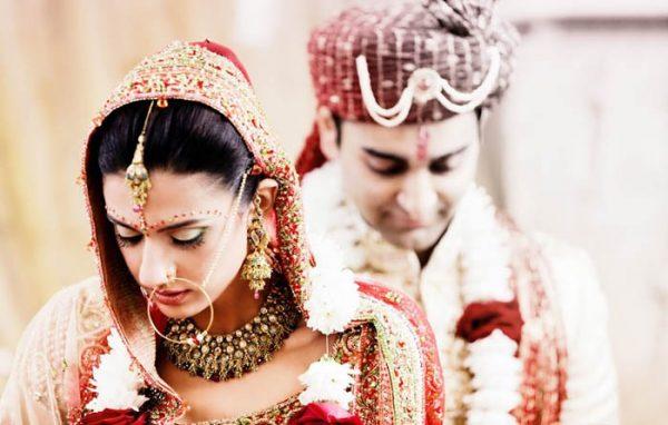 शादी में क्यों दिए जाते हैं एक-दूसरे को सात वचन, क्या आप जानते हैं इनका महत्व