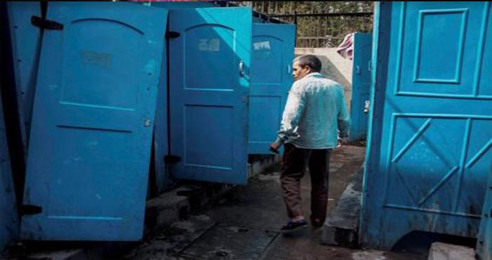 इस युवक को 42 शोचालय में शोच करने जाना पड़ता है, वजह जानकर आपके होश उड़ जाएंगे!