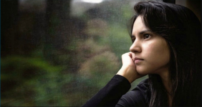 क्या अकेला रहना पसंद है आपको? तो हो सकती है यह गंभीर बीमारी, तुरंत कराएं इलाज