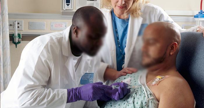 इलाज के दौरान पेशेंट के सीने पर दिखा ऐसा टैटू, मरने के लिए छोड़ दिया डॉक्टरों ने