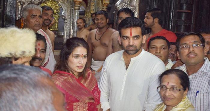 ज़हीर खान ने अपना लिया है हिन्दु धर्म? यकीन नहीं तो ये तस्वीर देख लिजिए