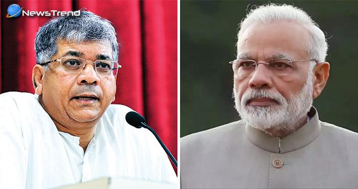 दलित नेता प्रकाश अम्बेडकर ने पीएम मोदी के गुरु पर उठाये सवाल और माँगा पीएम मोदी से जवाब