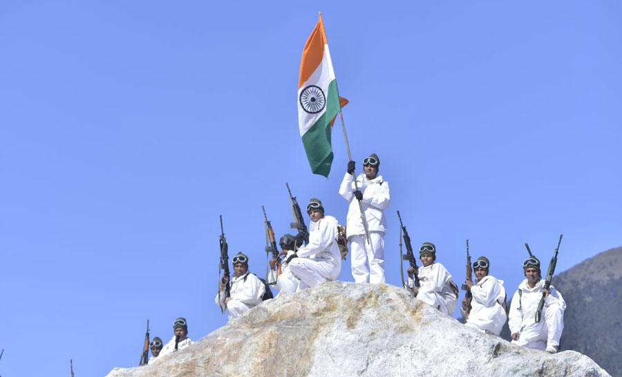 गणतंत्र दिवस: ITBP के हिमवीरो ने फहराया 18 हजार फिट ऊंचा तिरंगा