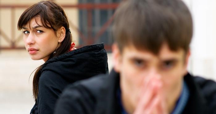 लड़कों की ये 5 आदतें लड़कियों को कर देती हैं परेशान, आज ही बदल डालें वर्ना हो सकता है ब्रेकअप