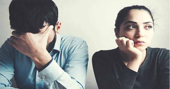 Photo of मन भटकने की वजह से टूट जाता है रिश्ता, 4 कारण जो आपके दिल को कहीं और लगने पर कर देते हैं मजबूर