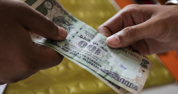 कर्ज लेते और देते समय दिन का रखें ध्यान, हमेशा रहेंगे फायदे में