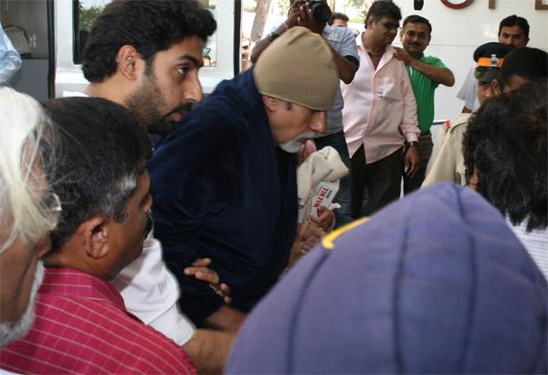 अभी-अभी: अमिताभ बच्चन की हालत नाजुक, मुंबई से जोधपुर रवाना हुई डॉक्टरों की पूरी टीम