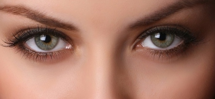 लंबे समय तक आखों की रोशनी को बरकरार रखना चाहते हैं तो जरूर पढ़िये कीजिए ये काम