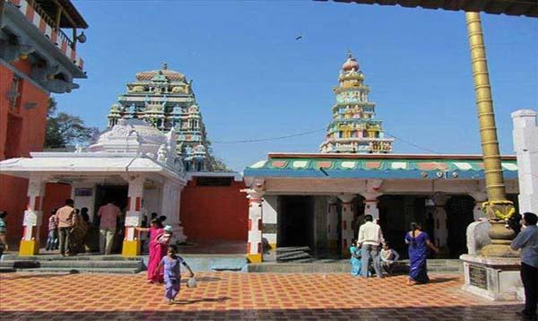 भारत का इकलौता हनुमान मंदिर जहाँ हनुमान जी के साथ होती है उनकी पत्नी की भी पूजा, जानिए