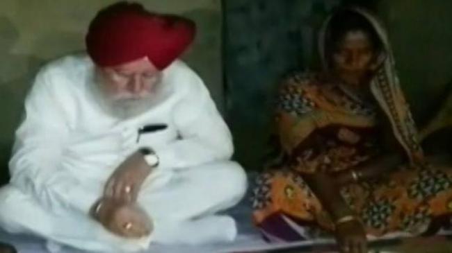 दलितों के घर खाने को लेकर नया विवाद, बीजेपी नेताओं में दो फाड़