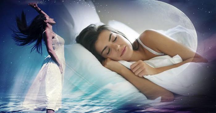 जानिये रात को सपने में दीखते हैं गुज़रे हुए लोग तो क्या है और क्या प्रभाव पड़ता है आप की ज़िदगी पर