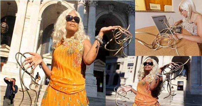 वर्ल्ड रिकार्ड बनाने के चक्कर में इस महिला ने बढ़ा लिए अपने नाख़ून, नाखूनों की लम्बाई इतनी कि….